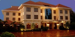indochina-travel-cambodia-royal-crown-hotel-siem-reap-front