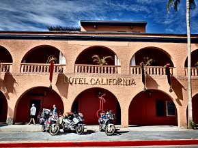 Hotel California, Eagles y Todos Santos